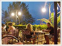 Ресторант Континентал през нощта
